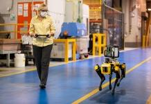 Ford pone a prueba perros robots en sus plantas de producción para lograr más agilidad, eficiencia y precisión