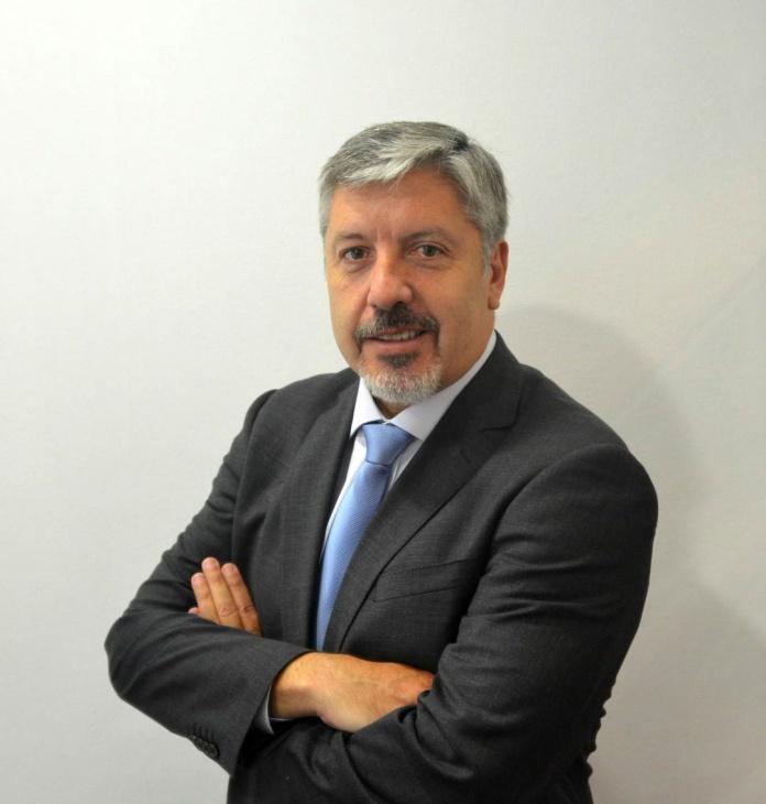 Ángel Izurieta - EY