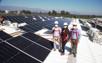 Salfa es pionero en su industria en la utilización de energía 100% renovable con los paneles de Flux Solar