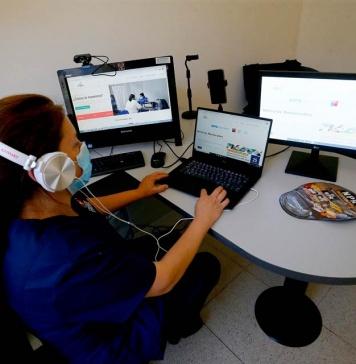 Nuevo modelo de atención a distancia descongestiona el acceso de los pacientes a los CESFAM