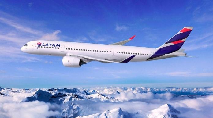 Mastercard y LATAM Airlines Group firman acuerdo para potenciar la experiencia de viaje