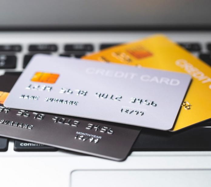 ¿Desorden financiero? Te mostramos los 5 beneficios de automatizar tus pagos con tarjeta de crédito