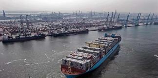 Primer buque portacontenedores del mundo alimentado por metanol