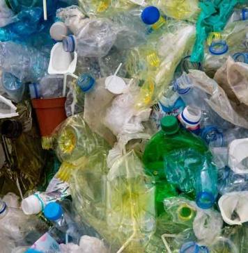 Cuatro ideas simples para eliminar el plástico del hogar