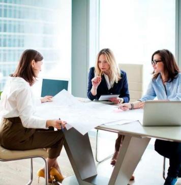 AVLA y Mujeres Empresarias continúan ciclo de encuentros promoviendo la inclusión digital en las empresas
