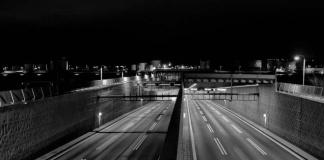 Indra une inteligencia artificial y fibra óptica para aumentar la seguridad en las carreteras