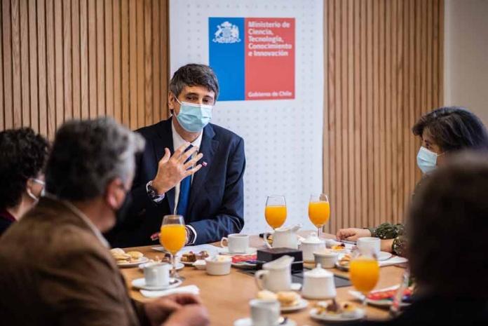 Ministro Couve recibe insumos del comité científico de cambio climático para contribuir desde la ciencia a la posición Chilena en la COP 26