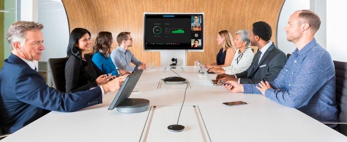 Videoconferencias en salas medianas y grandes con la cámara web empresarial GROUP - webcam para videoconferencias